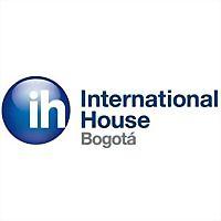Logo 32) International House Bogotá