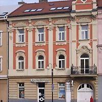 Logo 33) Lékárna U Komenského, Lunacor Kroměříž