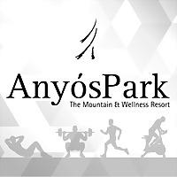 Logo 10) Anyóspark, El Club