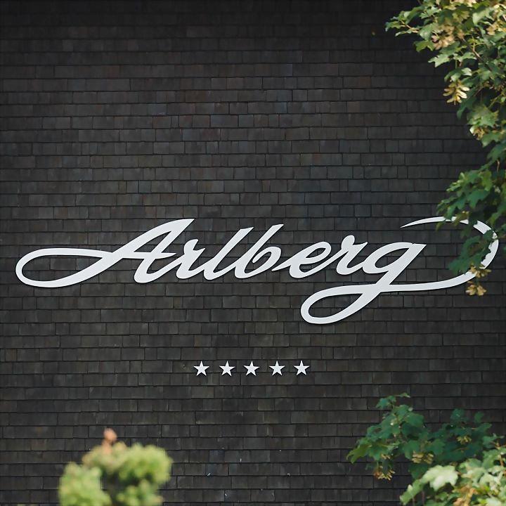 Logo 42) Hotel Arlberg Lech